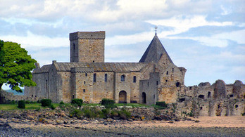 Wanted: Manager to live on Inchcolm Island in the middle of the Forth   Edinburgh Stories   Scoop.it