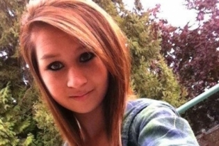 Amanda Todd: Bullied girl's memorial pages targeted with cruelty | digitalcuration | Scoop.it