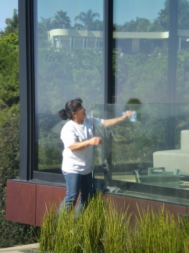 Commercial Window Cleaning Service - Newport Beach, Calabasas, South Bay, Manhattan Beach | Nancie Brown & Associates | Putting Things At The Right Place | Scoop.it