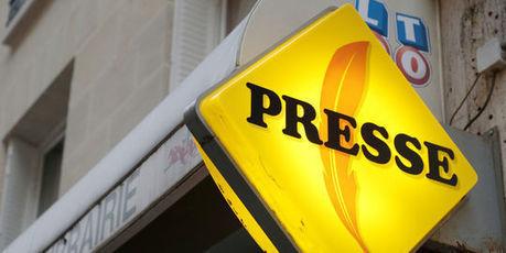 Les ventes de journaux baissent, les lectures numériques décollent | Bazar de comm | Scoop.it