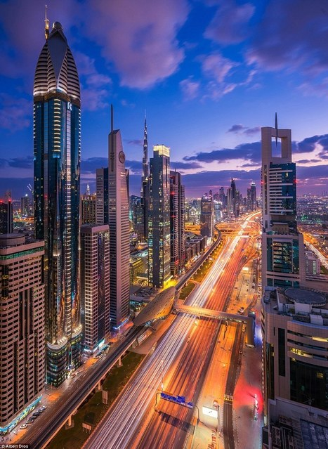 Spectacular Images Show Dubai Skyline Ablaze With A Million Lights | Everything from Social Media to F1 to Photography to Anything Interesting | Scoop.it