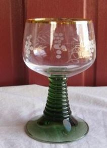 Green Stemmed German Wine Glasses | German Christmas | Scoop.it