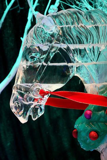 Christmas Horse Ice Sculpture | CREATIVENESS | Scoop.it