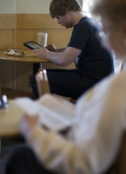 Livros digitais ajudam a revigorar bibliotecas públicas | Litteris | Scoop.it