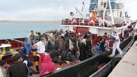 Meer dan vijfhonderd vluchtelingen gered in Kanaal van Sicilië   Vluchtelingen en Asielzoekers in Europa   Scoop.it