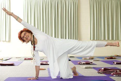 72yr old woman celebrates 50 years of yoga | Yoga Ninja | Scoop.it