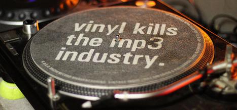 REGARDS SUR LE NUMERIQUE | Au Royaume-Uni, le numérique représente 50% des ventes de musique | In the attic : geekeries culturelles | Scoop.it