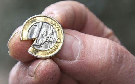 German euro founder calls for 'catastrophic' currency to be broken up - Telegraph | digistrat | Scoop.it