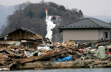 [Panoramique] Photo impressionante de la statue de la Liberté au milieu des débris à Ishinomaki! | Twitpic | Japon : séisme, tsunami & conséquences | Scoop.it