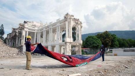 HAITI 1 Drapeau Palais_0.JPG (600x338 pixels)   Risques et Catastrophes naturelles dans le monde   Scoop.it