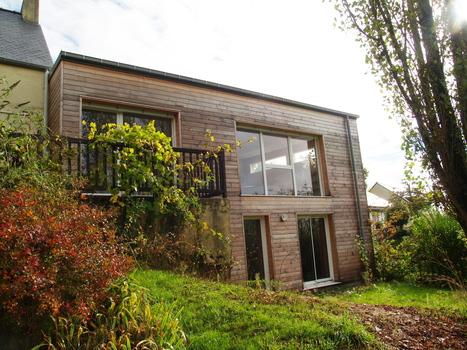 Extension d'un petit pavillon sur 1 terrain en pente vers l'ouest - atelier Architecture verte | Architecture écologique | Scoop.it