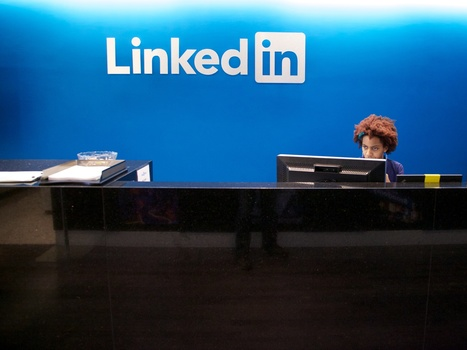 People Who Share Content At Least Weekly On LinkedIn Receive More Job Opportunities | EMPLOYÉS - LinkedIn | Scoop.it