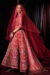 Designer Tarun Tahiliani unveils Bridal Couture Expo 2014 - Fibre2fashion.com | EA Bridal Design | Scoop.it