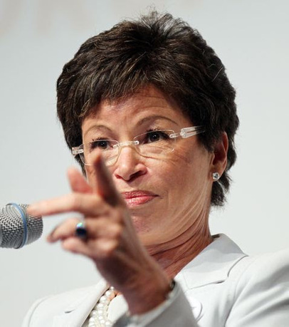 Valerie Jarrett Courting L.A. Screenwriters to Inject Obamacare Propaganda into Their Scripts - The Last Resistance | Restore America | Scoop.it