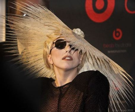Another evolutionary step for albums as Lady Gaga plans app release | Transmedia: Storytelling for the Digital Age | Scoop.it