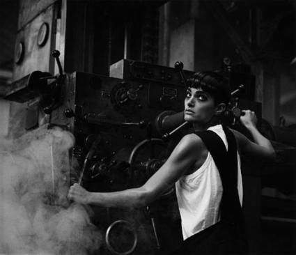 Lynne Koester, Comme des Garcons, Paris 1984 by Peter Lindbergh   Photo   Scoop.it
