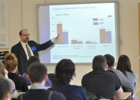 Oncologist shares expertise with biology class - Tribune-Review | SCIENCE&ENGLISH | Scoop.it