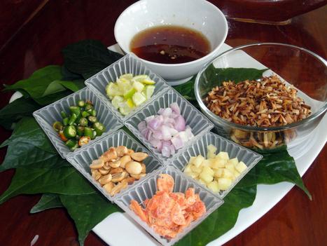 Miang Kham (Wild Betel Leaf Wraps) | MakeYourRecipes | Recipes | Scoop.it