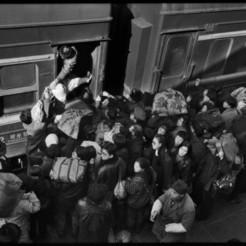 Photoblog 攝影札記-王福春攝影作品︰火車上的中國人 | All About Photography | Scoop.it
