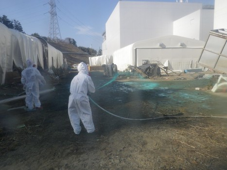 [Eng] TEPCO disperse des agents de durcissement autour de la centrale de Fukushima Daiichi | Japan News Today | Japon : séisme, tsunami & conséquences | Scoop.it