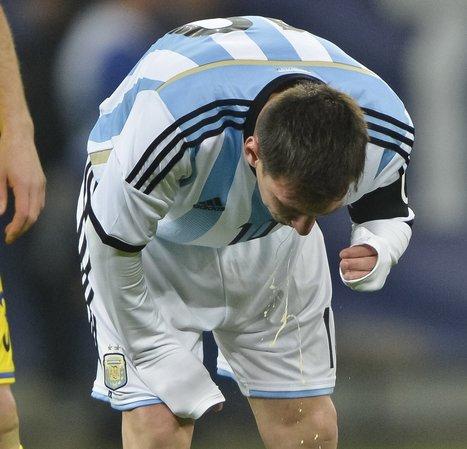 Is Messi's Vomiting a Problem?   website   Scoop.it