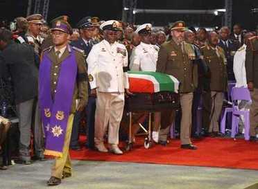 Il Sudafrica dice addio a Mandela i funerali nel suo villaggio natale - Il Messaggero | Notizie dal mondo | Scoop.it