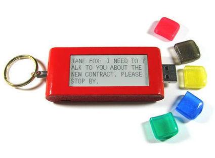 Smart Keychain, une clé USB multifonctions avec un écran e-ink - Connected-Objects.fr | e-paper - e-ink - le papier électronique | Scoop.it