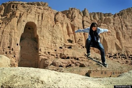 In the Midst of a Warzone there's an Afghani Skateboarding School for Girls | 21st_Century_Good_Men | Scoop.it