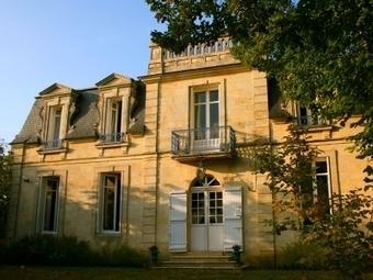 Castel en Pierre Bourg sur Gironde (33710) avec piscine et vue panoramique sur la Dordogne   Bordeaux Belles Maisons   Scoop.it