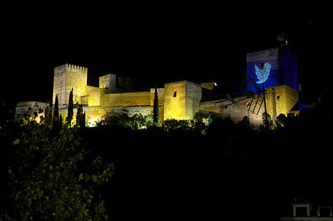 El logo de Twitter , en la Alhambra . | J . G . H . - El Mundo.es | La Andalucía Libre | Scoop.it