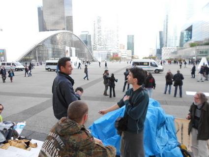 4M Des indignés indifférents à l'arrivée de la police | #marchedesbanlieues -> #occupynnocents | Scoop.it