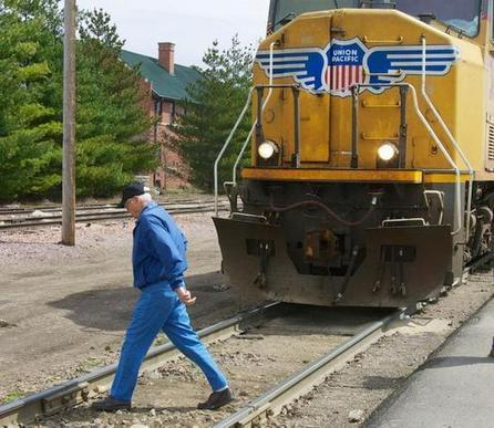 Rail safety campaign kicks off in reaction to increase in deaths, especially of pedestrians - KansasCity.com | ILCAD - Safety at level crossings | Scoop.it