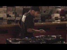 DJ Craze Routine With The Traktor Kontrol Z2 Mixer | DJing | Scoop.it