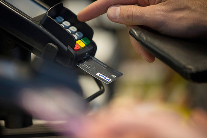 What That Chip in Your New Credit Card Means for You - Bloomberg Business | Merchant Services and Technology | Scoop.it