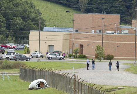 Authorities: Teacher calmed teen who held classmates hostage | Upsetment | Scoop.it