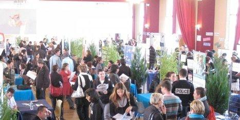Libourne : ils se mobilisent pour que tous aient une formation | Verres de Contact | Scoop.it