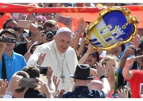 Pápež tvítuje: Ak je Boh v našom živote, prinášať jeho evanjelium bude radosť | Správy Výveska | Scoop.it