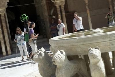 Google Street View estrena en el monumento nazarí el 'Google ... - El Mundo.es | La Andalucía Libre | Scoop.it