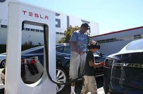 Les voitures électriques de Tesla pèsent aussi lourd que Renault en Bourse | Innovations and insights fostering clean and sustainable development | Scoop.it