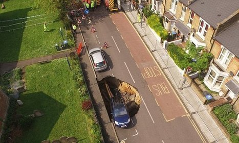 Huge sinkhole rips through residential street in London | Geology | Scoop.it