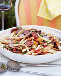 Pasta Salad with Grilled Sausages and Peppers Recipe | À Catanada na Cozinha Magazine | Scoop.it