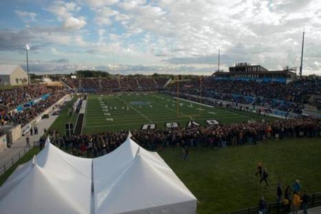 Zero Waste football game waits to tally final numbers - Grand Valley Lanthorn (A good advocacy strategy) | Global Recycling Movement | Scoop.it