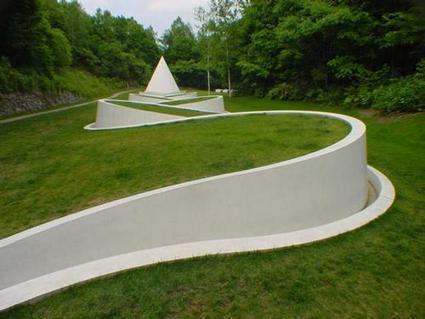 """Dani Karavan: """"Way to the Hidden Garden""""   Art Installations, Sculpture, Contemporary Art   Scoop.it"""