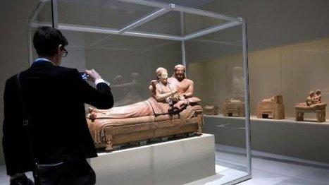 Le Louvre-Lens fait renaître la cité étrusque de Cerveteri - FRANCE 24 | Les Etrusques et la Méditerranée. La cité de Cerveteri | Scoop.it
