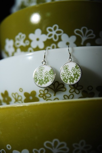 Perfect Gift for any Collector: Pyrex Corelle Green Spring Blossom Round Earrings | Kitsch | Scoop.it