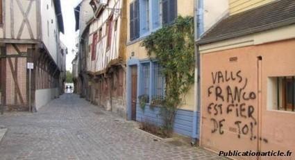 Le monologuiste Valls, ferait-il du Franquisme.....?