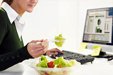The Dangers of Desk Dining | Pure Matters | CALS in the News | Scoop.it