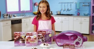 13-Year-Old Girl Whose Little Brother Wants an Easy-Bake Oven for Christmas Petitions Hasbro for a Gender-Neutral Version | MORONS MAKING THE NEWS | Scoop.it