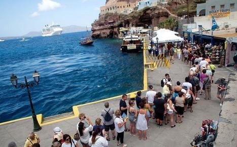 Santorini planning to ration cruise tourists during peak, Stathis Kousounis   Kathimerini   Cruise Industry Trends   Scoop.it