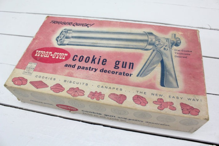 Wear Ever Cookie Gun and Pastry Decorator Mid by AtomicAttic | Kitsch | Scoop.it
